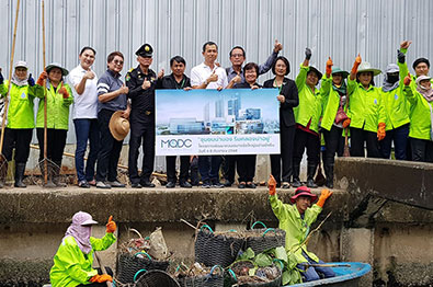 WHIZDOM 101 joins canal cleanup